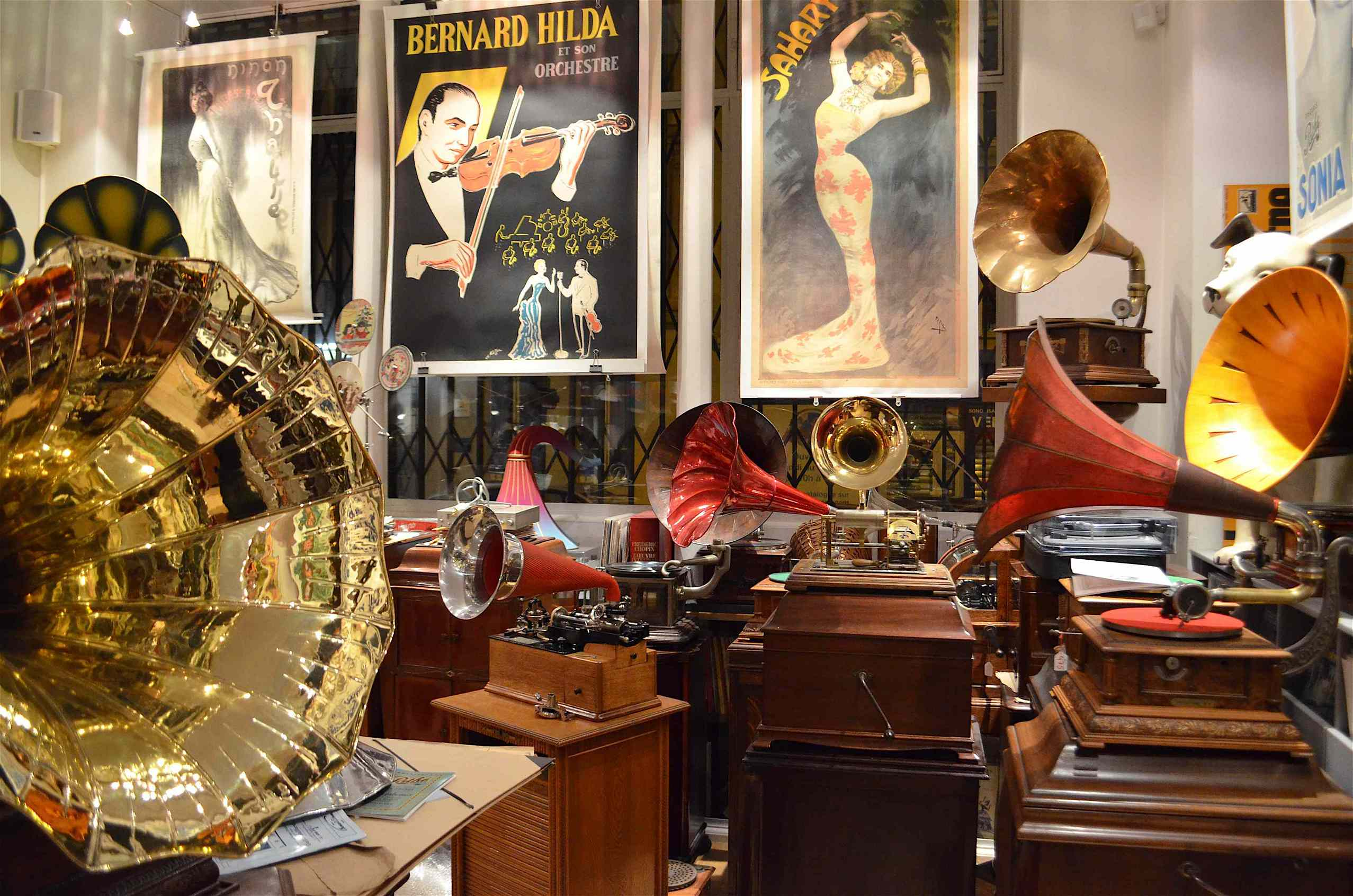 Phonogalerie the best place for music lovers .
